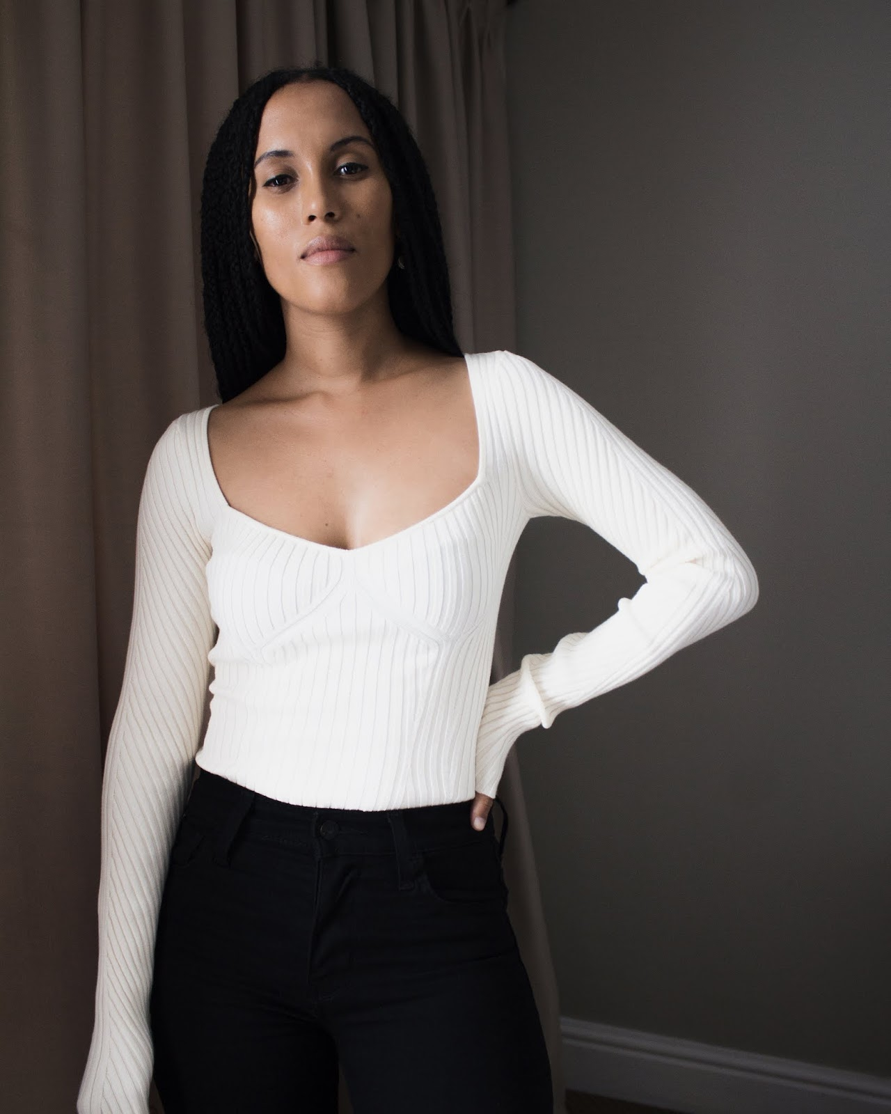 Liezel-Esquire-ribbed-sweater