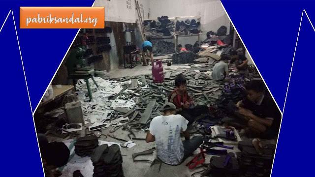 Proses Produksi Pembuatan Sandal Jepit | Grosir Sandal Murah Garut