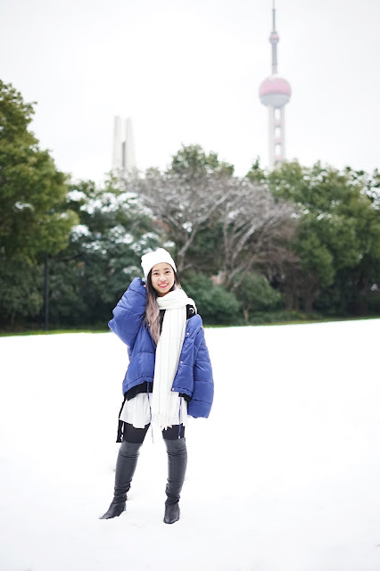 This is a photo about how to wear outfit for cold snowy days in Shanghai from www.sidneyscarlett.com by Sidney Scarlett