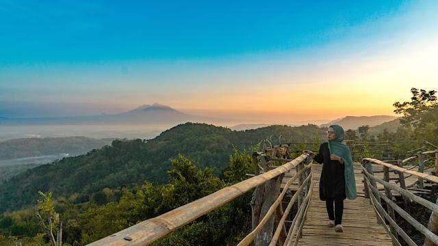 Harga Tiket dan Lokasi Watu Goyang Bantul, Wisata Favorit Mangunan