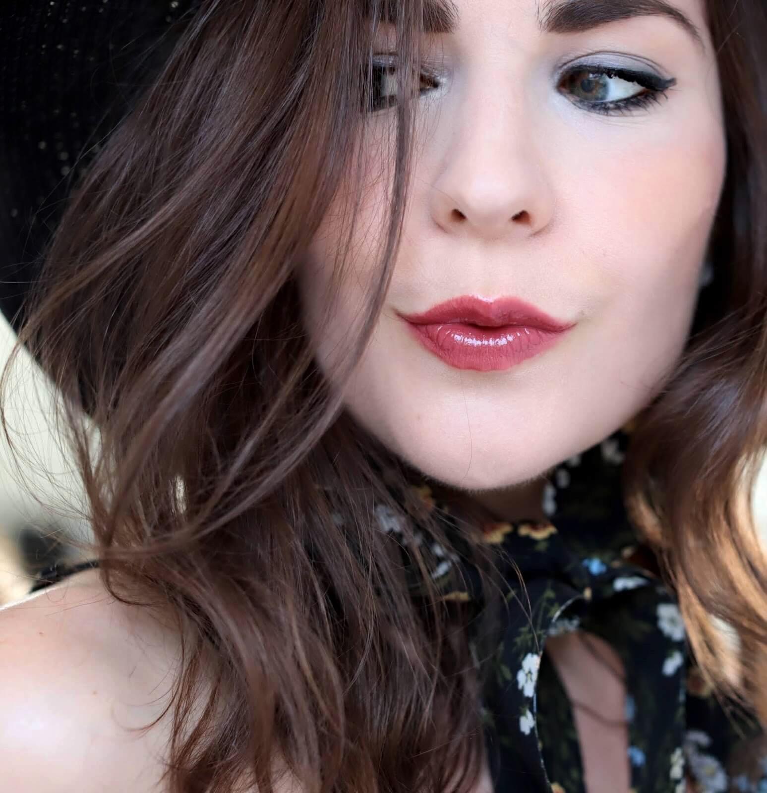 Nars Lipstick Sheer Gipsy swatch