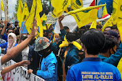 PMII Kepung DPRD NTB, Masa Aksi Baca Sholawat