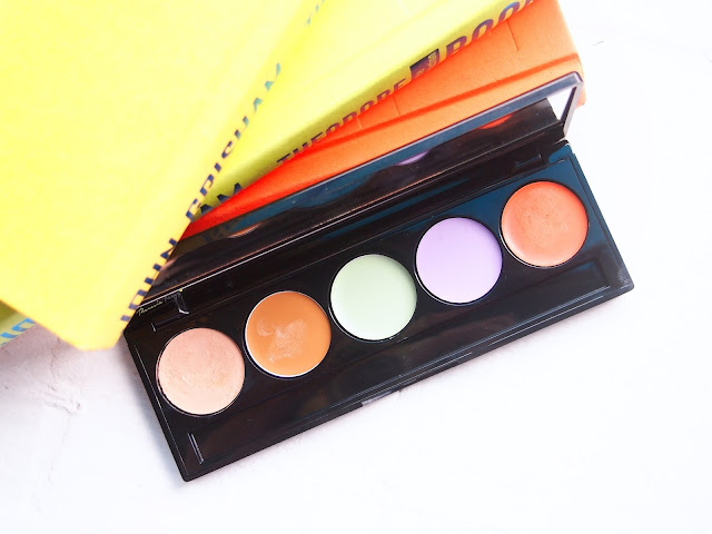 Make Over Camouflage Cream Face Concealer is one amazing palette for skin correctors. It comes in 5 different colors in one palette to hide dark circles, redness and dullness. At the price of RP 105.000, it makes Make Over Camouflage Cream Face Concealer a must have product for all MUA.