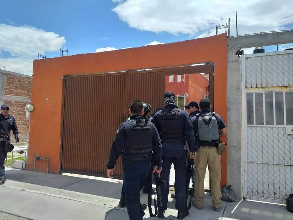 CJNG detona granadas en viviendas de colonia Villa de los Arcos en Celaya; Guanajuato, dejaron un Narcomensaje