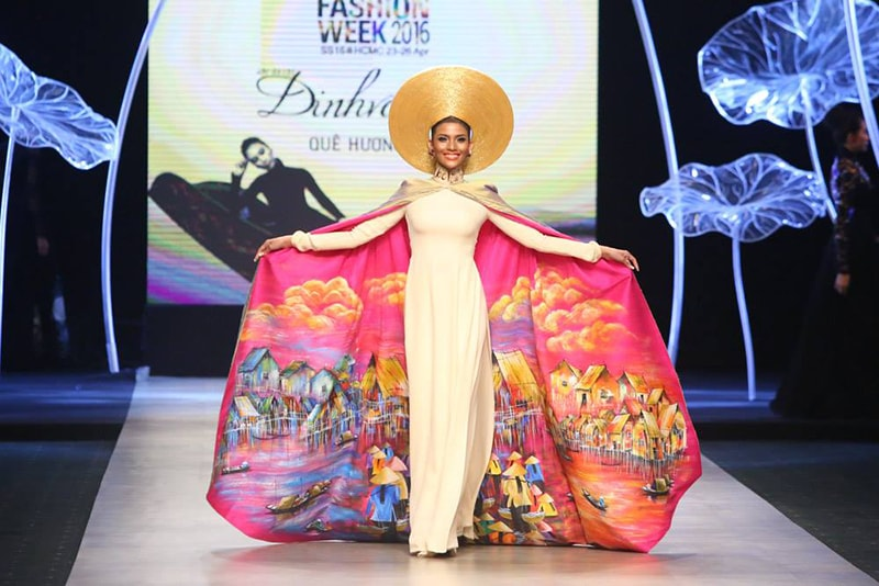 Vietnam International Fashion Week 2016- Day 3- Ao Dai by Dinh Van Tho