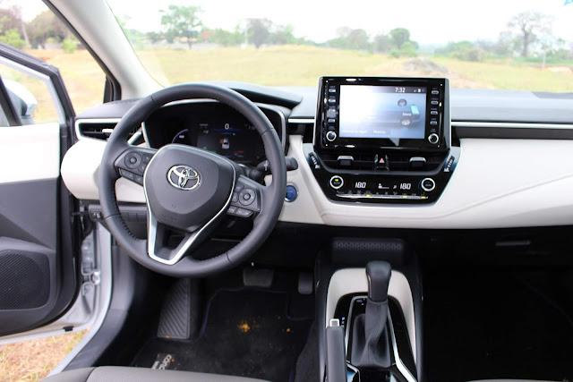 Novo Corolla 2020 Híbrido - painel