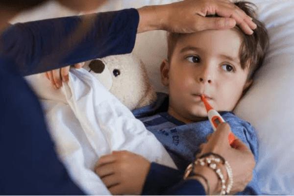 Anak Demam 39 Derajat, Perlukah Panik dan Langsung ke Dokter