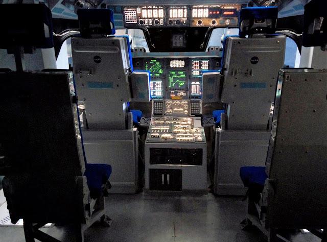 shuttle Atlantis cabina di comando