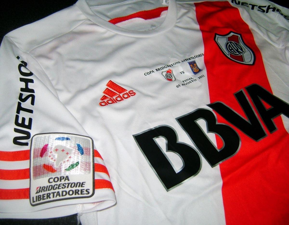 4ad916eda47 Para disputar la final de vuelta de la Copa Bridgestone Libertadores de  América 2015 ante Tigres de México, Adidas presentó un diseño especial en  el que a ...
