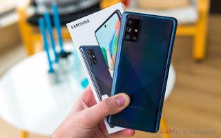 Samsung Galaxy A71 untuk ditinjau