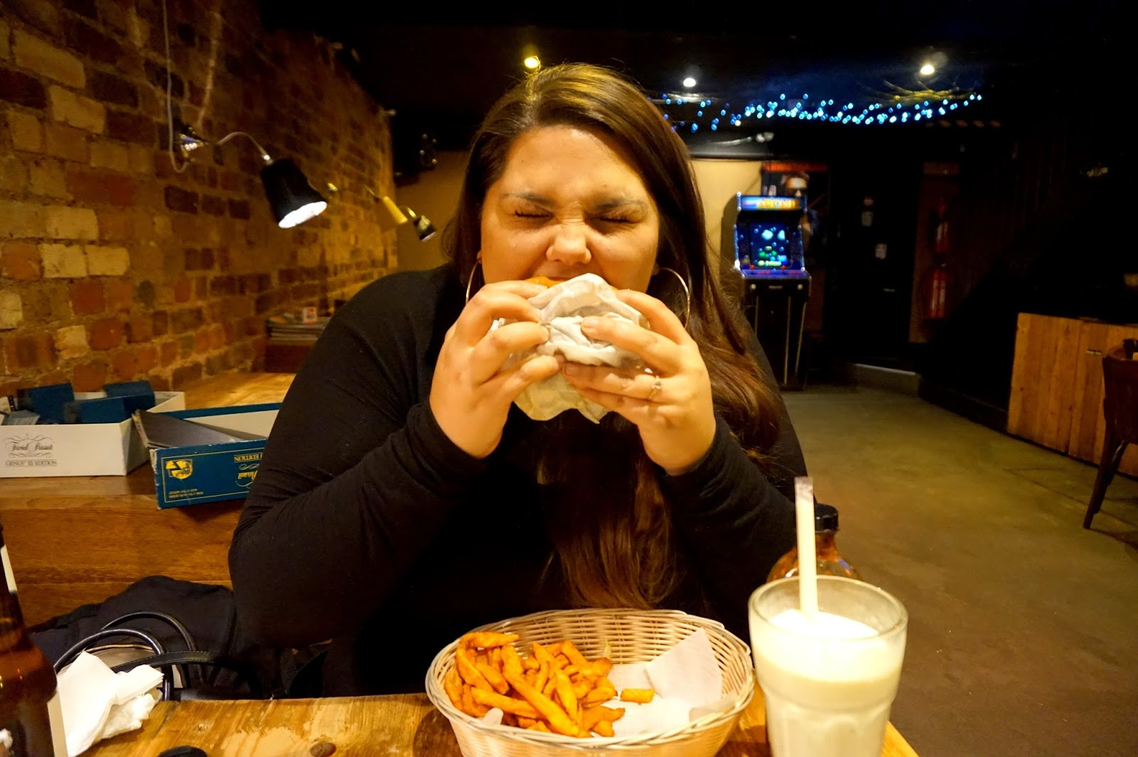 "<img src=""tommis burger joint chicken burger.jpg"" alt=""chicken burger"" />"