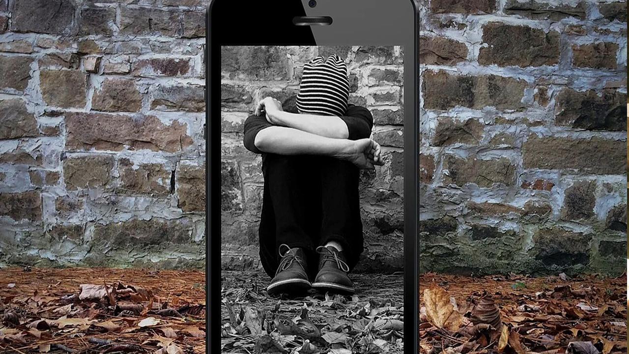 Com crianças mais tempo online é necessário ficar atento ao cyberbullying