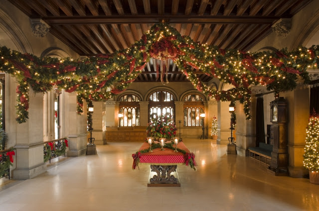 More than 7,000 feet of Garland is used in the Biltmore House
