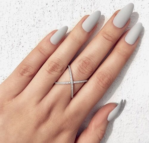 simple-off-white-nail-arts-design