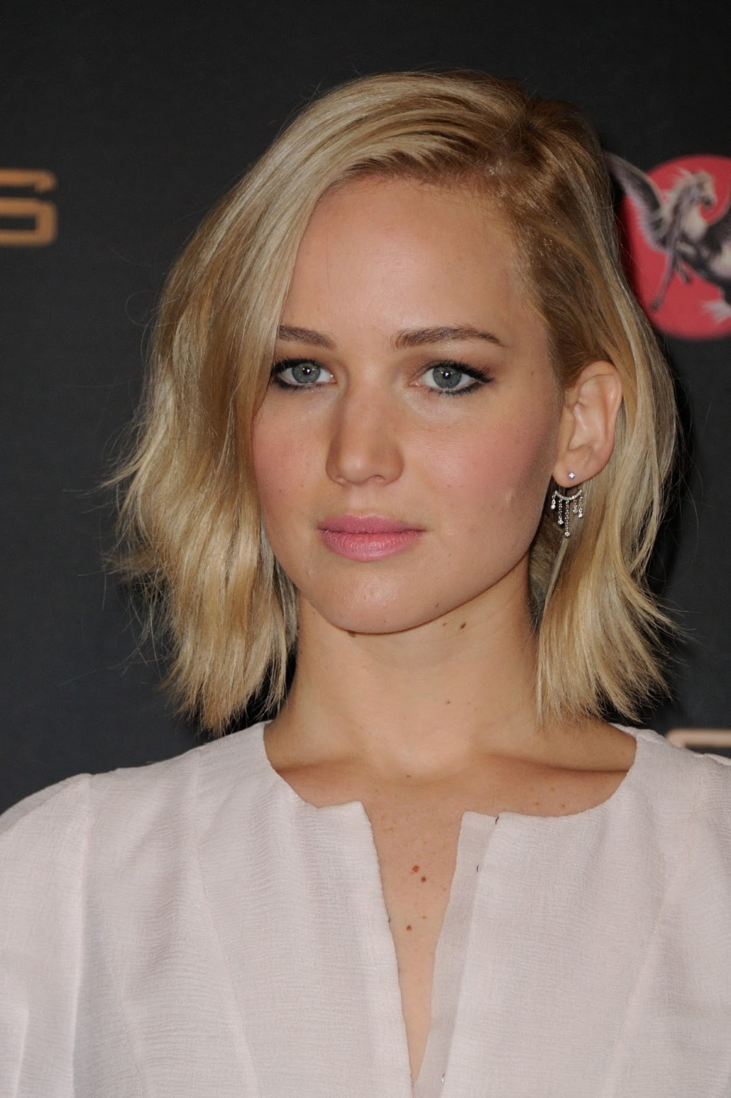 Jennifer Lawrence Makeup Tutorial: Jennifer Lawrence Fansite: HQ PHOTOS: Jennifer Lawrence