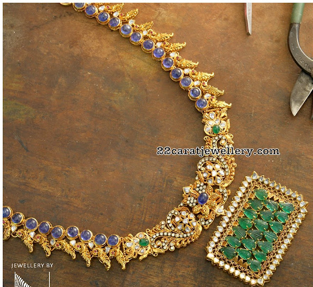 Blue Sapphire Kante with Emerald Pendant