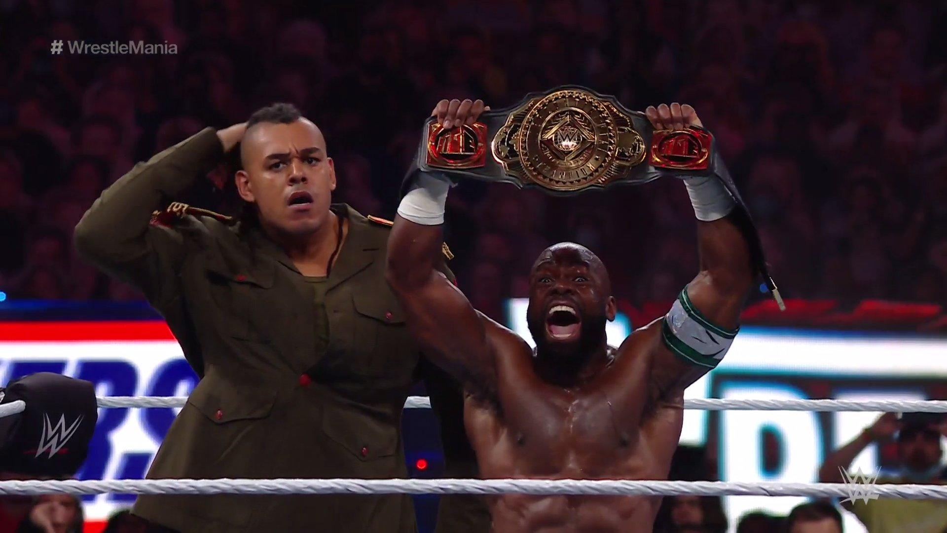Apollo Crews conquista o WWE Intercontinental Championship