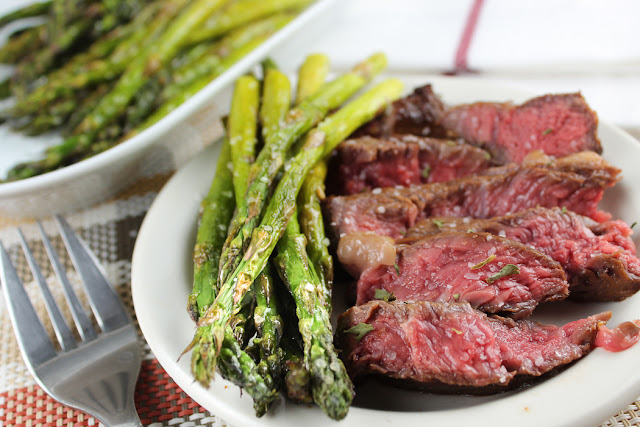 Air Fryer Steak & Asparagus