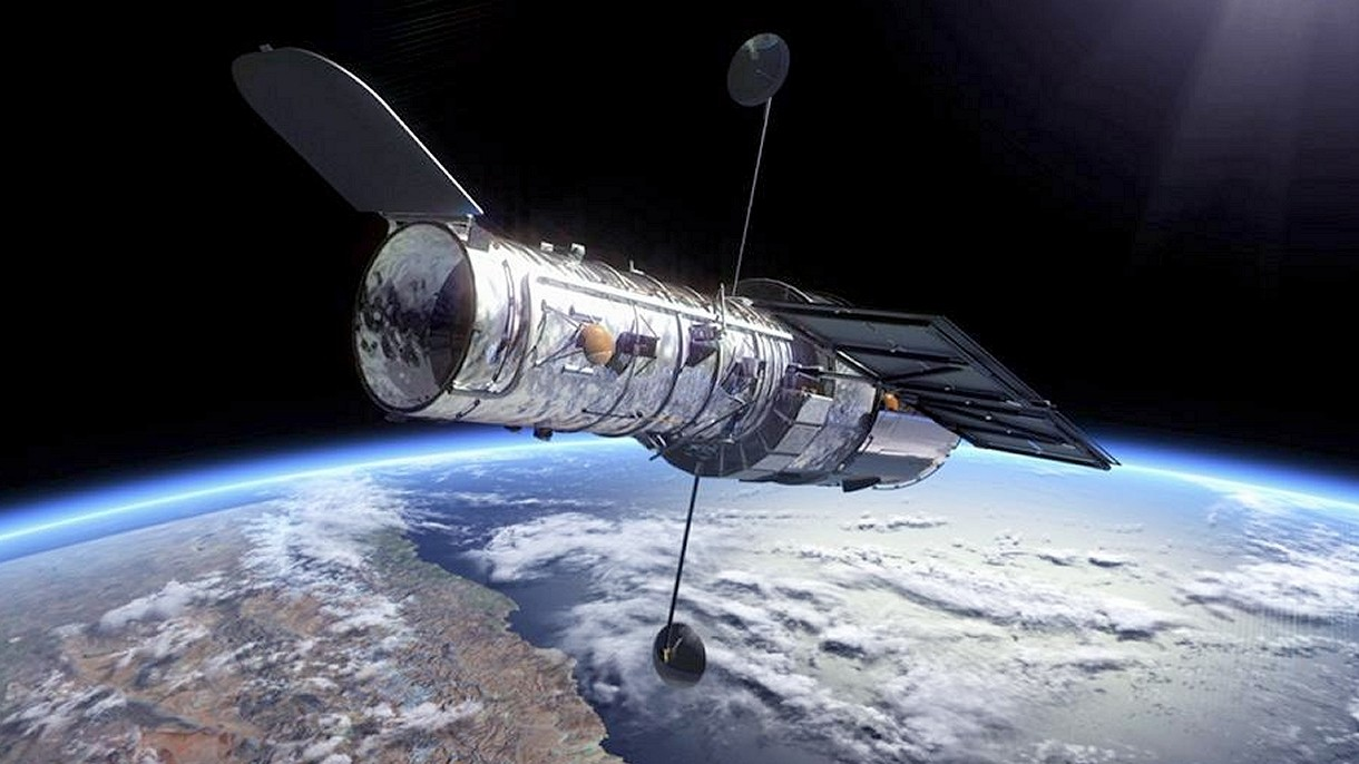 Aging Hubble Returns To Operations After Software Glitch