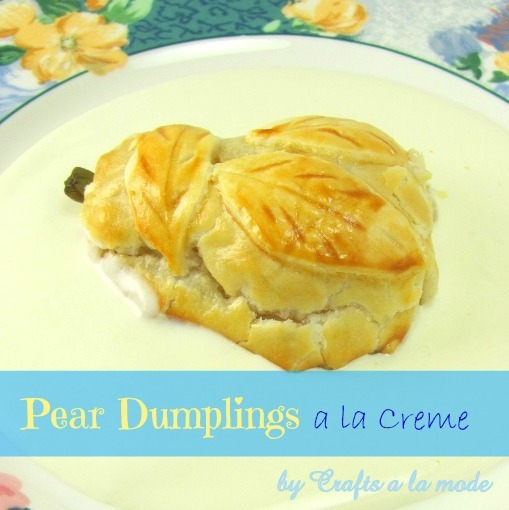 Pear dumplings in cream