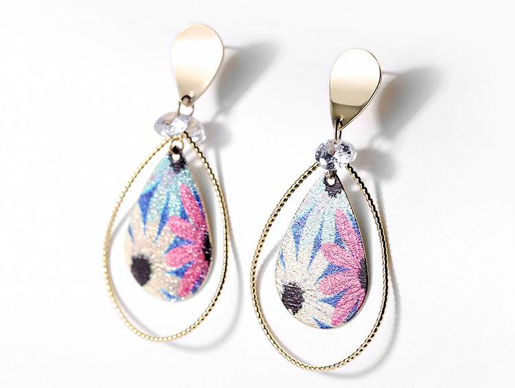 優雅藝術金屬風耳環