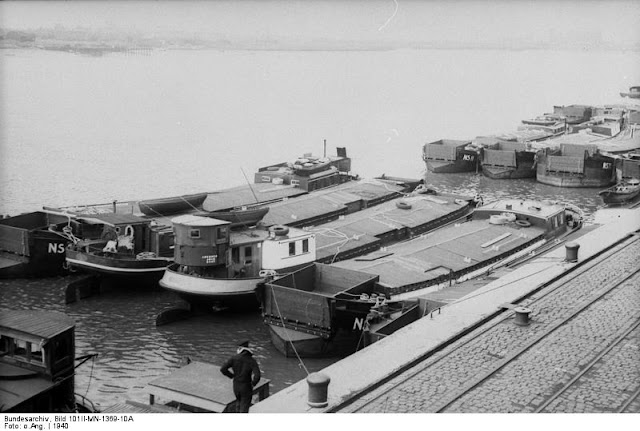 19 September 1940 worldwartwo.filminspector.com invasion barges