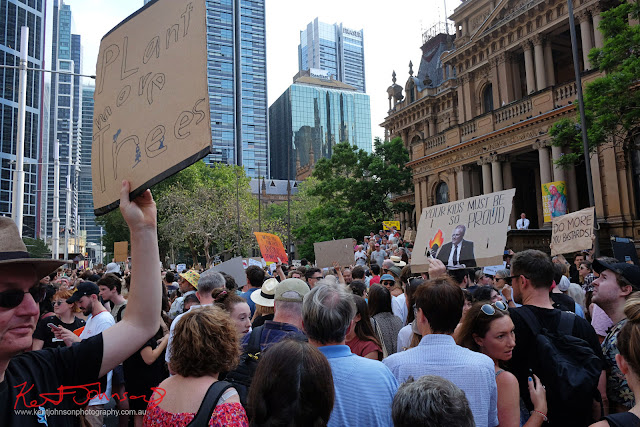 Sydney Climate Rally - George St Crowd.