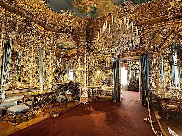Sala dos Espelhos no Palácio de Linderhof em Munique