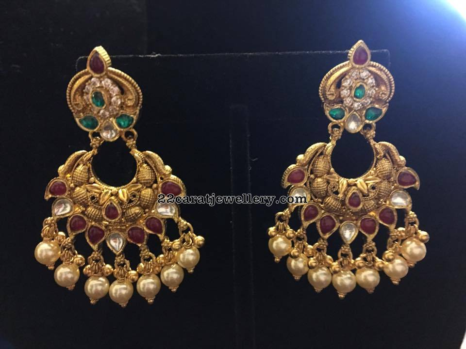 Antique Choker with Classic Kundan Earrings - Jewellery Designs