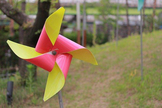 puisi-pinwheel-ozyalandika-baik-itu-sederhana