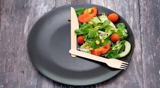 ما هو أفضل وقت لتناول الغداء خلال العمل من المنزل؟