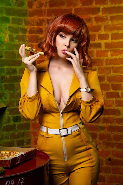 SEXY COSPLAY & COSPLAY FAILS: April O'Neil (TMNT)
