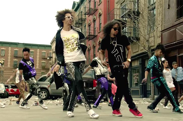 Party Rock Anthem   Todo mundo virando zumbi nesse clipe