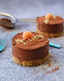 https://lachocolaterapia.blogspot.com/2018/07/mini-cheesecakes-veganas-de-chocolate-y.html