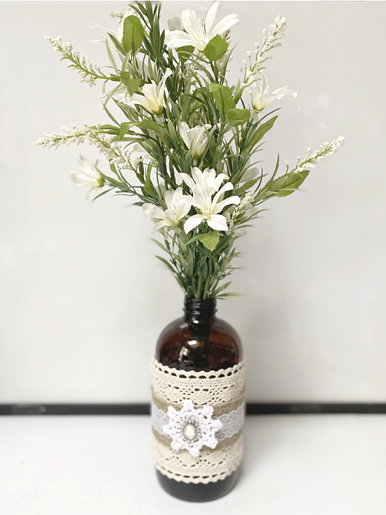 recycled flower vase with lace