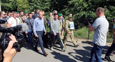 Туск і Зеленський відвідали Станицю Луганську