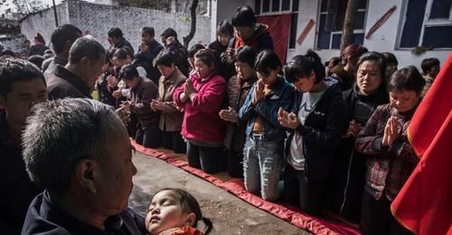 """Congregação fugiu da China comunista devido à perseguição: """"Não há caminho de volta"""""""