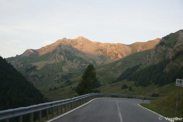La strada per il Colle della MAddalena che conduce in Francia