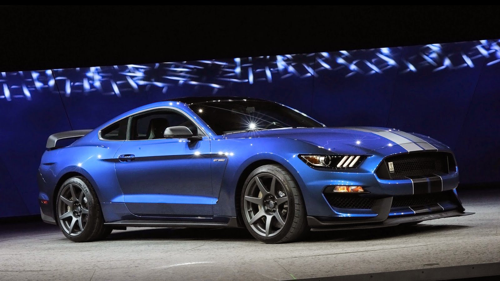 Ford mustang shelby gt350 2018 review specs price