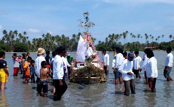 Upacara Buang Perahu, Tradisi Unik Nelayan Belitung
