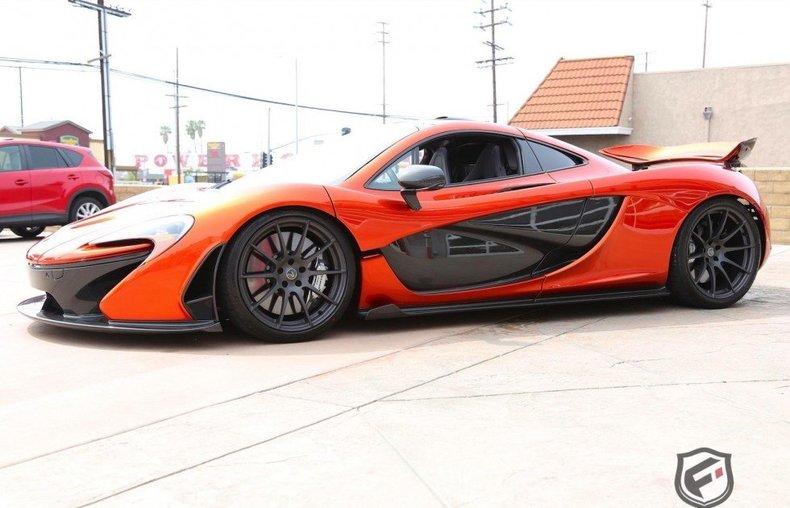 Bộ đôi siêu xe McLaren P1 và LaFerrari về một mái nhà chung