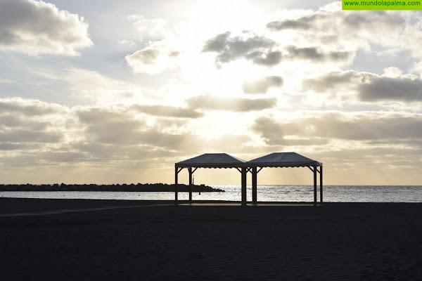 La Playa de Santa Cruz de La Palma dispone de tres nuevas zonas de sombra para personas con diversidad funcional