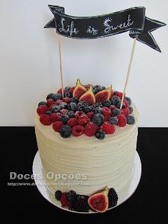 bolo frutos vermelhos e figos