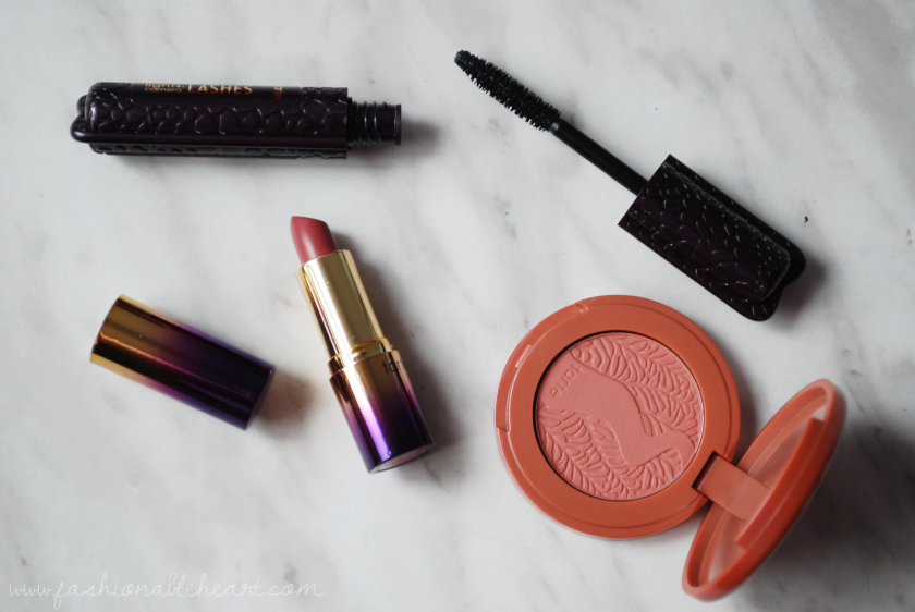 bbloggers, bbloggersca, canadian beauty bloggers, sephora black friday, 2016, canada, intro to tarte cosmetics, deluxe discovery set, lights camera lashes mascara, drench splash lipstick, living, unstoppable, amazonian clay blush, product review, swatches