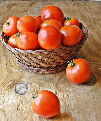 Versatile Vegetarian Kitchen Freezing Tomatoes