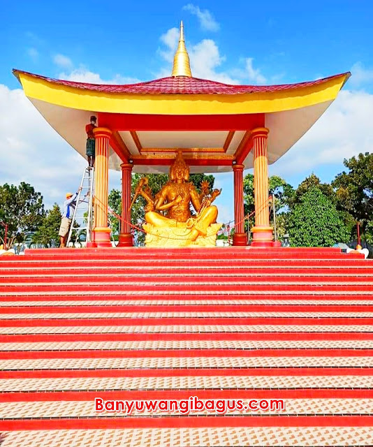 patung Buddha empat wajah di Kel. Karangrejo Banyuwangi.