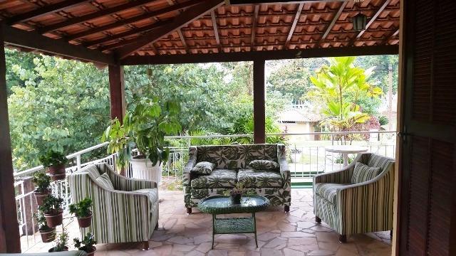 A varanda do hotel Santa Amália, em Vassouras, na região do Vale do Café