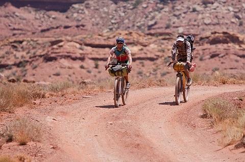Bersepeda jarak jauh alias touring