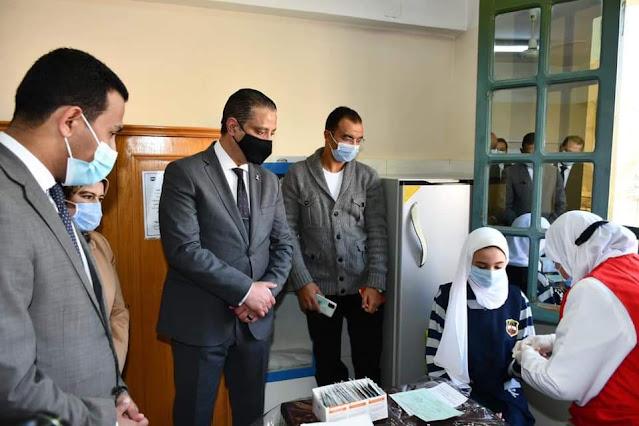 يتفقد أعمال مبادرة رئيس الجمهورية 100 مليون صحة للقضاء على فيروس سي لطلاب الصف الأول الإعدادي