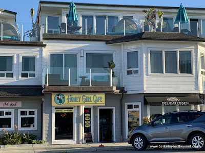 exterior of Honey Girl Cafe in Cayucos, California